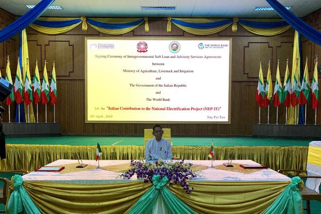Nay Pyi Taw, 30 aprile – L'Italia e il Myanmar firmano l'accordo per il credito d'aiuto di 30 milioni di euro per fornire l'elettricità ai villaggi rurali