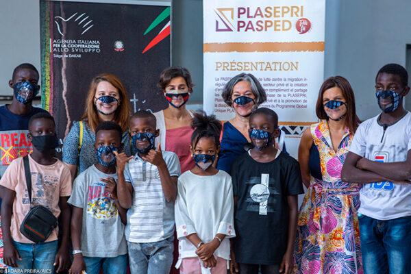 Le macherine, firmate dalla creatrice di moda Sbk, sono pensate per i ragazzi con deficit uditivi e sono parte delle oltre 8700 distribuite nel paese grazie al programma Pasped.