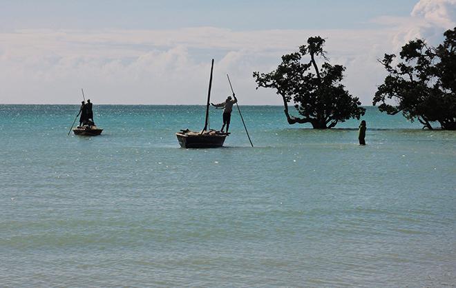 Europen Development Days, Aics Maputo - Parco Nazionale delle Quirimbas, Cabo Delgado. Attività con le comunità di pescatori locali per diffondere la conoscenza sull'uso sostenibile delle risorse marine.
